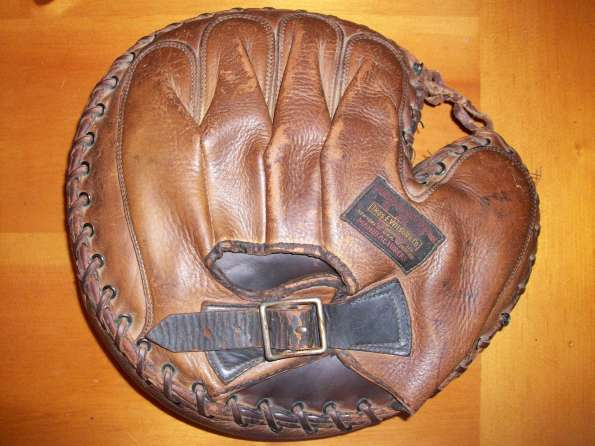 Thomas E. Wilson 504 Catchers Mitt Back