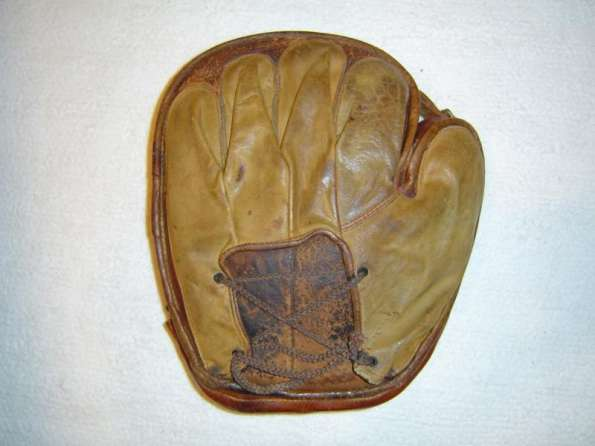 Early 1900's Buckle Web Hook and Eye Back Catchers Mitt Back